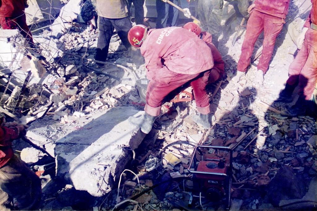 Ликвидация последствий взрыва жилого дома в Каспийске (р. Дагестан)
